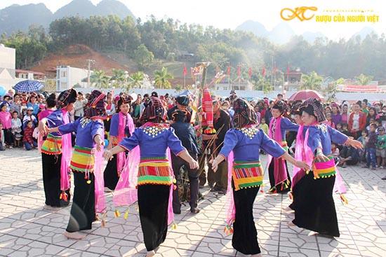 Lễ hội rượu Cần của dân tộc Kháng